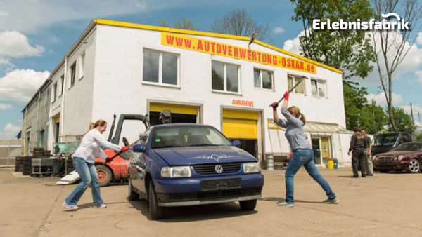 Auto zertrümmern in Chemnitz