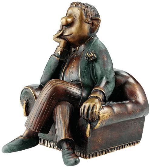 Loriot: Skulptur Herr im Sessel